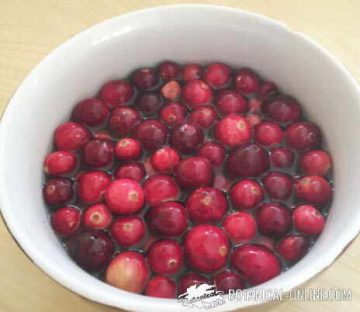 soaked American cranberries