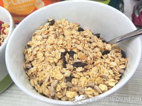 oatmeal with sunflower seeds and pumpkin seeds