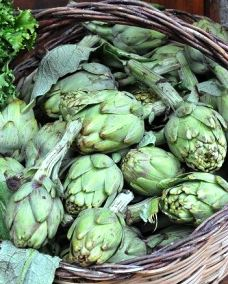 Picture of artichokes.