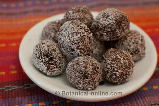 How to serve truffles with cocoa and coconut