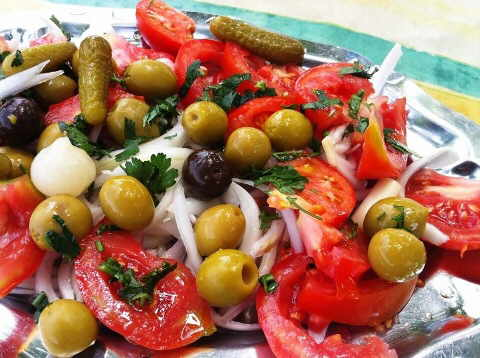 Varied tomato salad