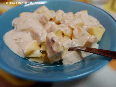 Yogur mixed with apple