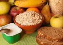 Copos de avena y fruta