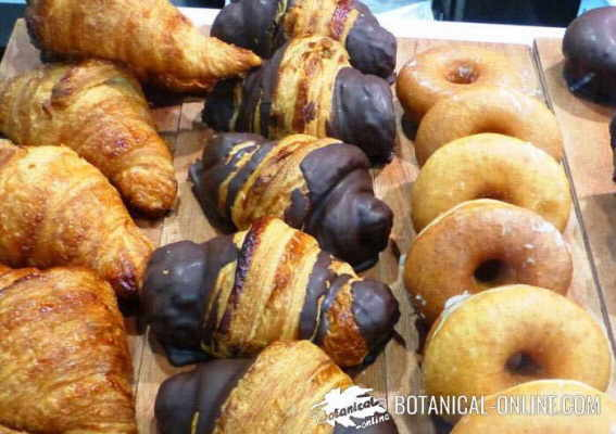 bolleria croissants donuts escaparate