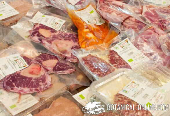 carne ecologica envuelta en plastico