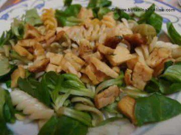 Carne vegetal con verduras y pasta