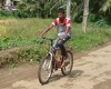 nino en bicicleta