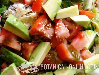 ensalada aguacate semillas sesamo tomate