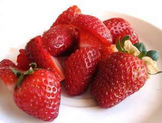 Las fresas son un alimento que puede producir urticaria