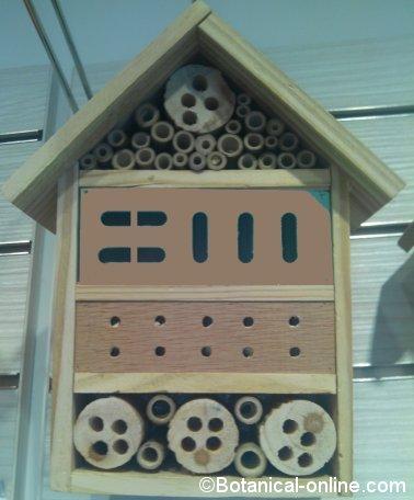 hotel de insectos contra plagas de cochinillas