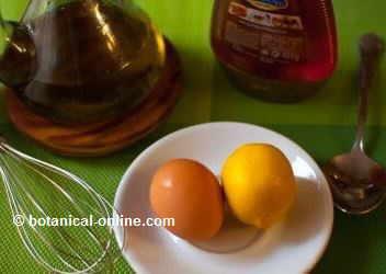 ingredientes mascarilla casera, huevo, limon, aceite, miel