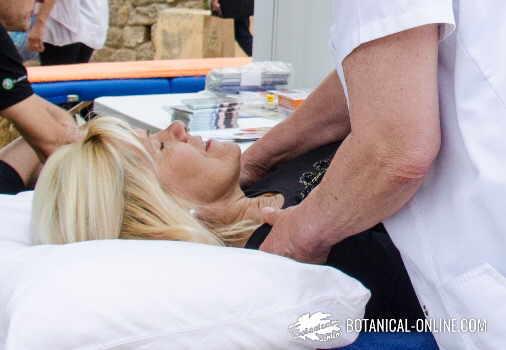 masaje con aceites esenciales
