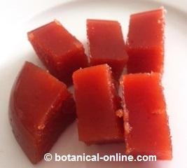 receta de membrillo casero oscuro sin agua añadida y con la mitad de azucar que de membrillo