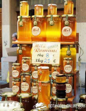 tipos de miel en un mercado