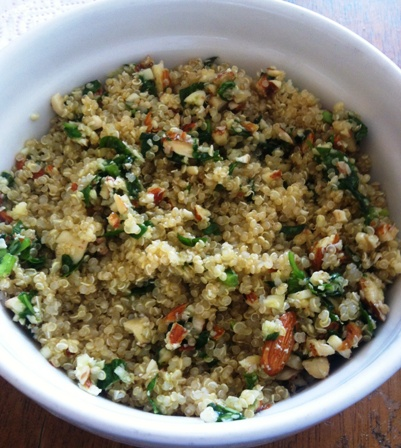 Receta de quinoa al pesto de almendras
