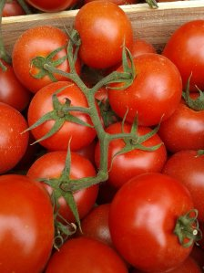Tomato juice is used as a deodorant in bath water